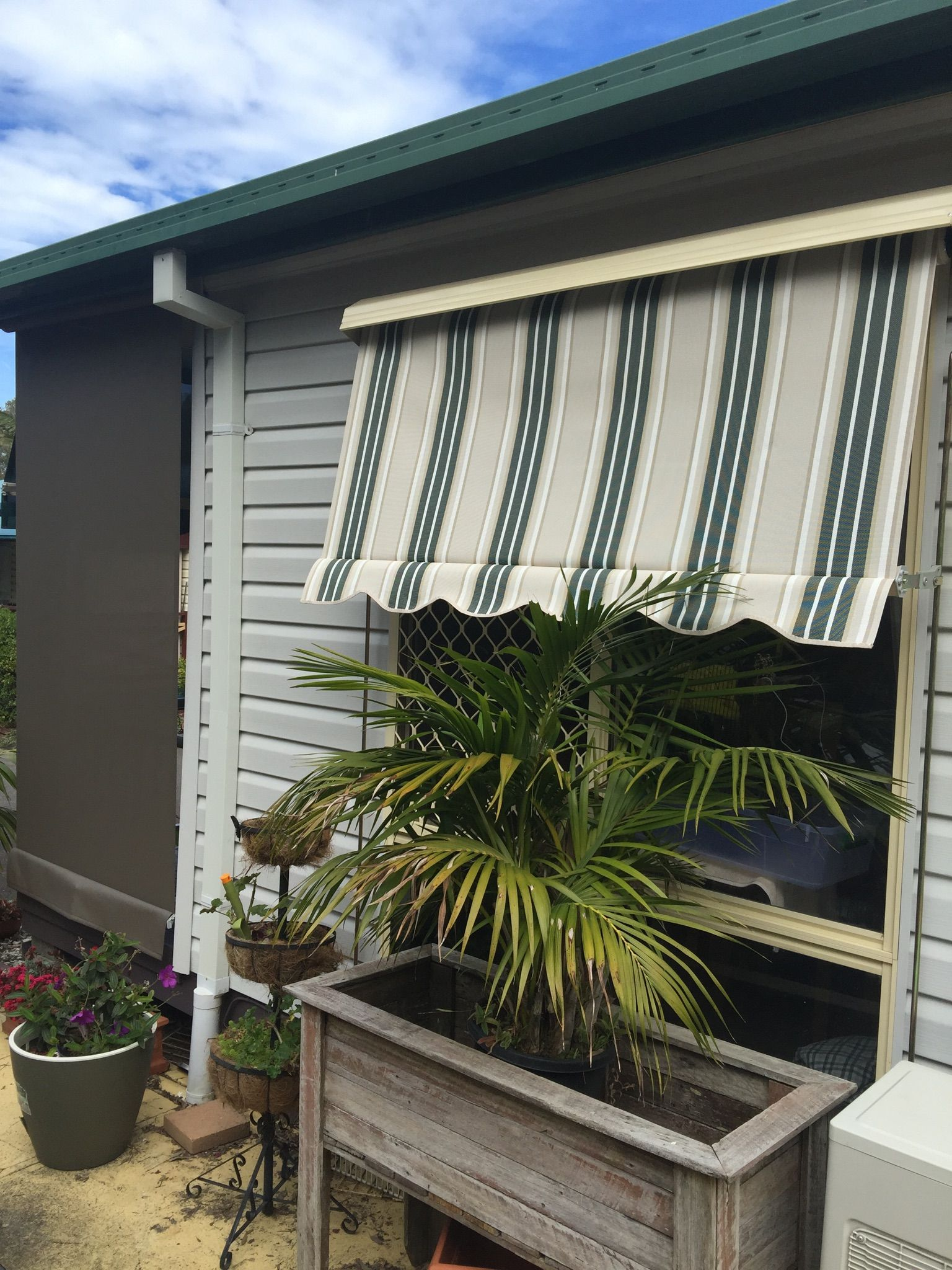 Http Www Shadesblinds Com Au Product Window Awning Auto Awning Mesh Redhead Window Awnings Shade Structure Space Frame
