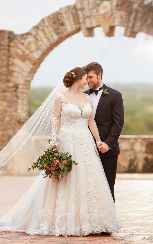Bridal salon that caters to the curvy bride over 200 wedding dresses ...