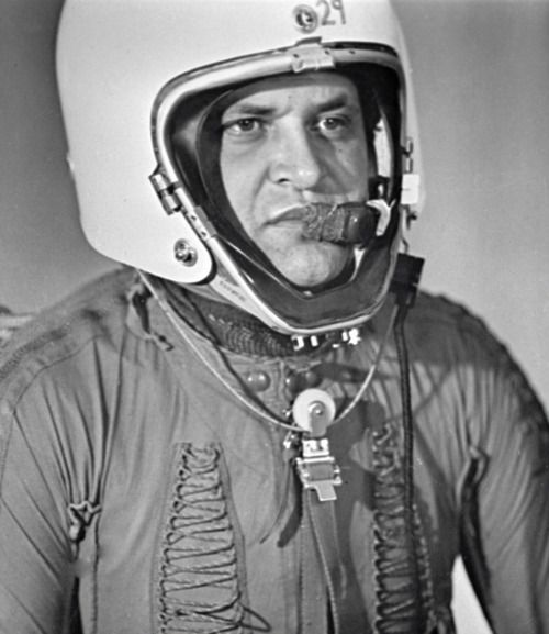May 7, 1960. Khrushchev announces that the U.S.S.R. has U2 pilot Gary Powers in their custody and he has confessed to being on a spy mission. The State Department says there was no authorization for such a flight. LBJ issues a statement saying both parties will support the President in this crisis.