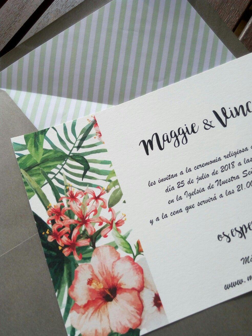 Sobre de boda forrado con invitación floral