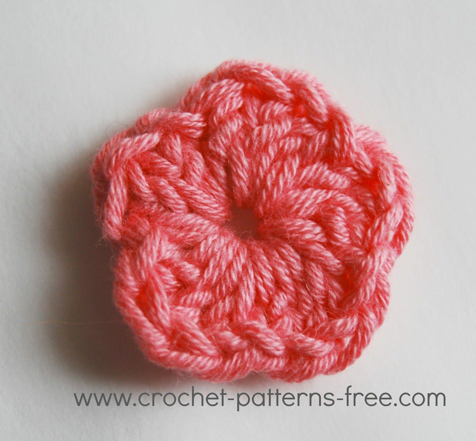 3 small crochet flower free patterns nannies hands pinterest 3 small crochet flower free patterns bankloansurffo Gallery