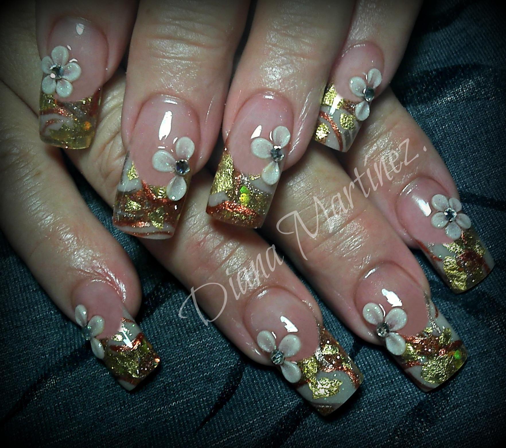 Nails. Elegantes me gustan !!!! Diseño hecho en Fashion Zone ...