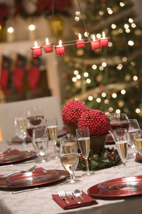 38 Elegant Christmas Table Setting Ideas Holiday Table Centerpieces Christmas Table Decorations Christmas Table Settings