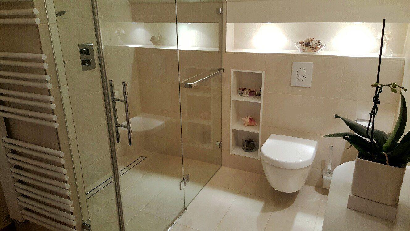 Badezimmer Behindertengerecht ~ Duschbad mit zweigliedriger raumstruktur fußbodenheizung