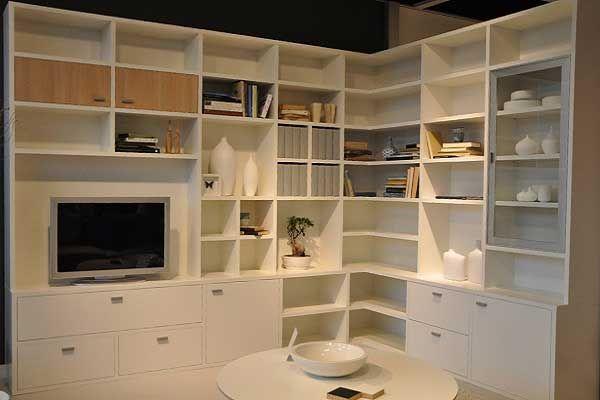 Boekenkast in hoek op maat met tv meubel wit . www.uwkastopmaat.nl ...
