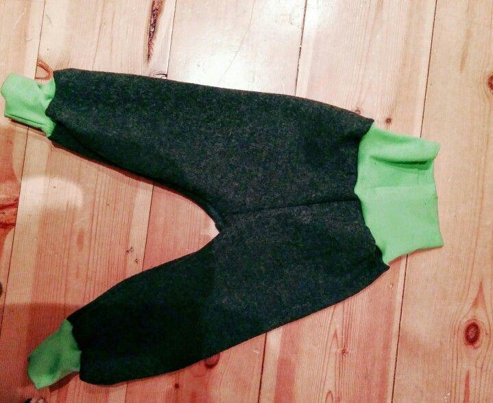 Pumphose aus Schurwolle in waldgrün