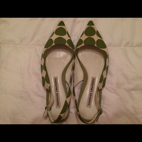 Chinese laundry sling back Green and white polka dot sling back Chinese Laundry Shoes Sandals