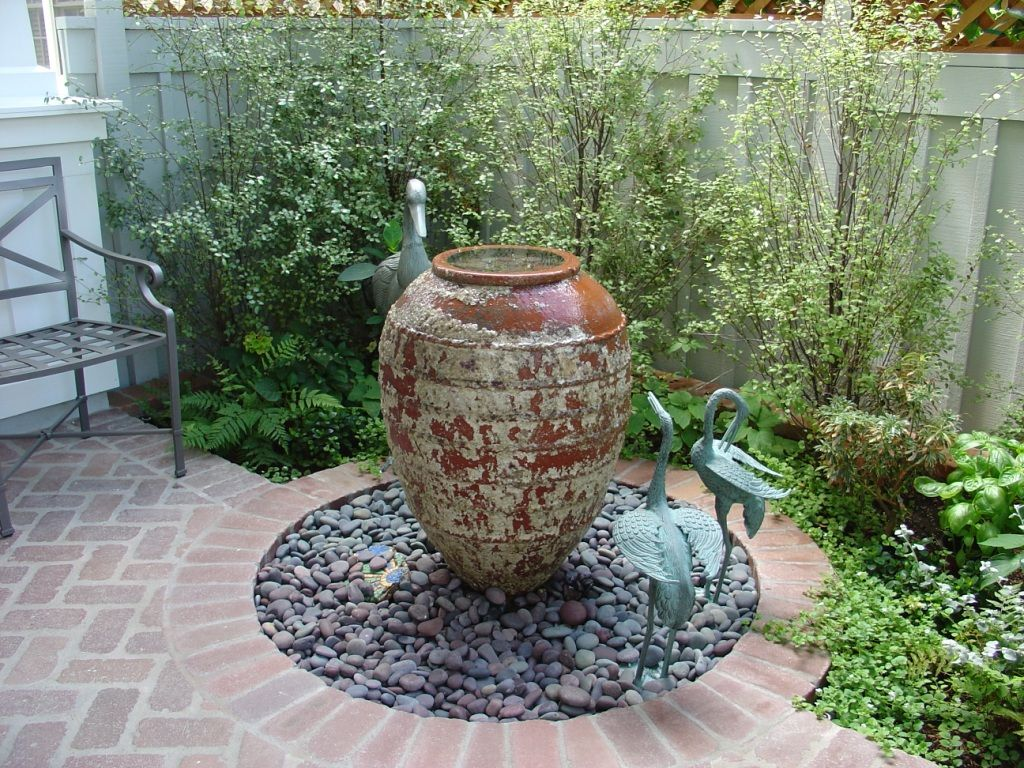 Home Decoration, Garden Fountain With Gravel Decoration: Design Of A Small  Water Garden With Fountain Decoration