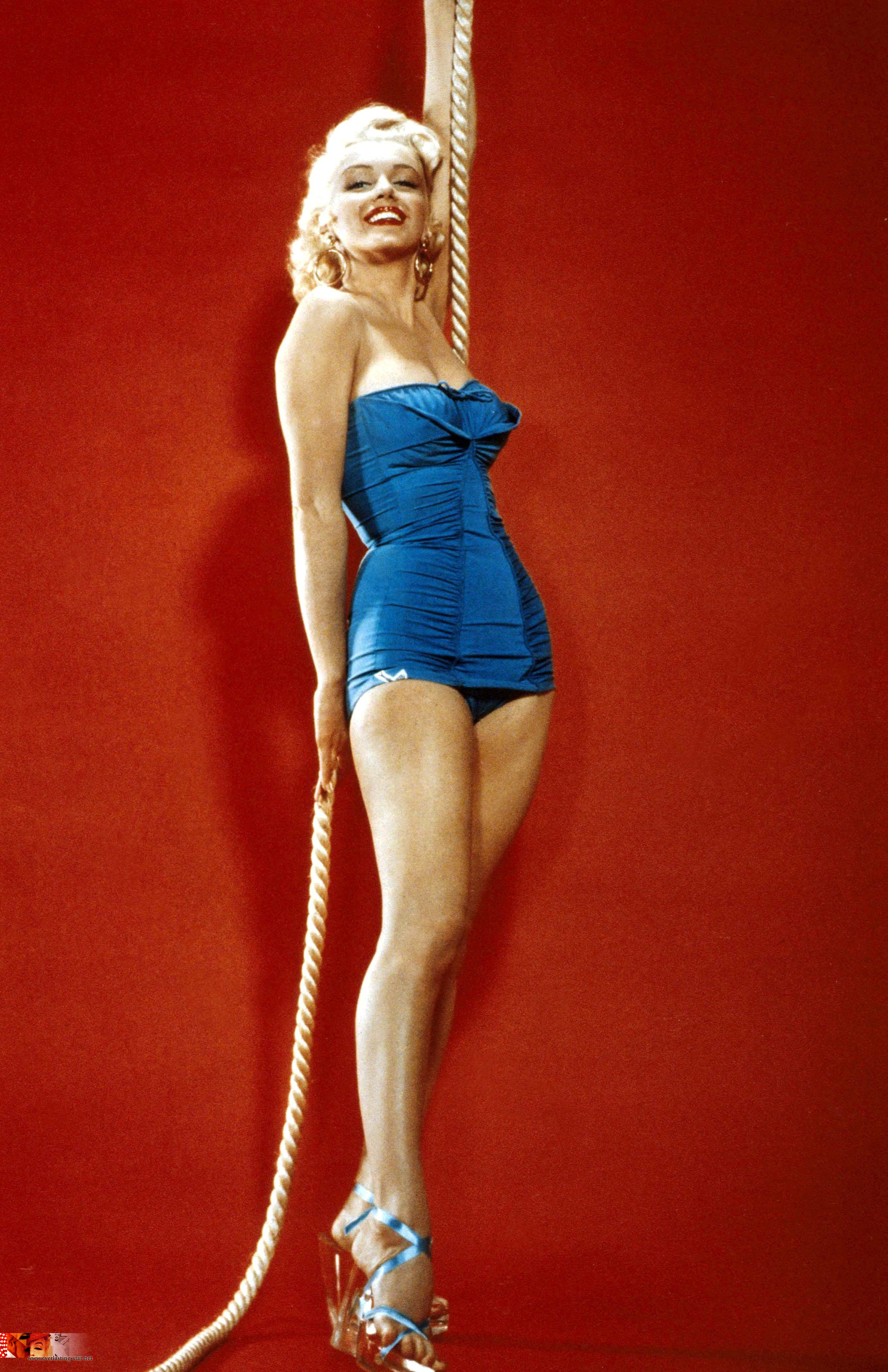 Marilyn Monroe Pin-up | The Blonde Heard Round The World ...