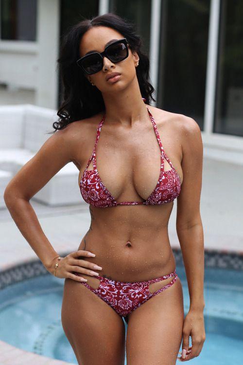 Latina female nudes