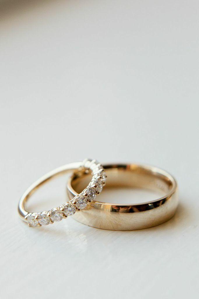 Glowing Chicago Wedding From La Belle Fleur Events Modwedding Engagement Ring Wedding Band Pretty Rings Mod Wedding