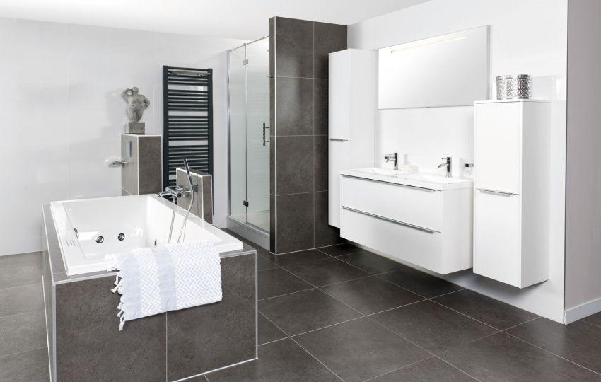 Deze badkamer van grando keukens mooi donker grijs badkamer pinterest gardens and house - Badkamer donker ...