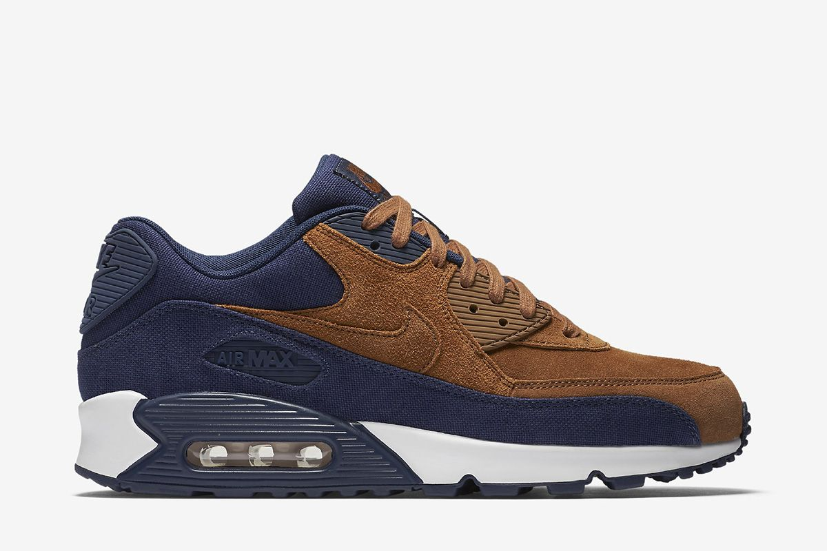 Nike Air Max 90 Premium Men's Shoe: Ale BrownMidnight Navy