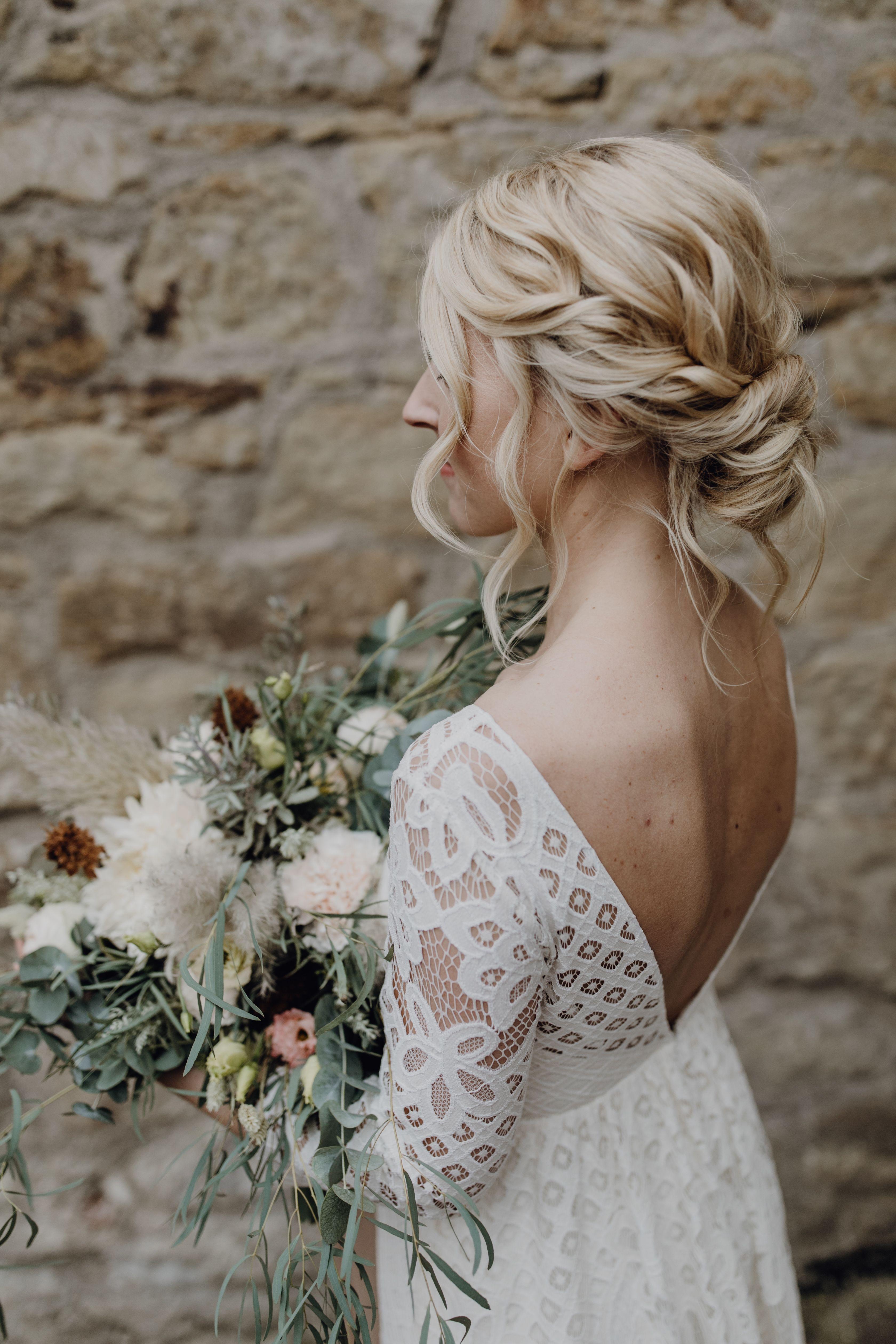 Vestido de novia manga larga de encaje escote trasero vestido de novia boho vintage peinado de novia