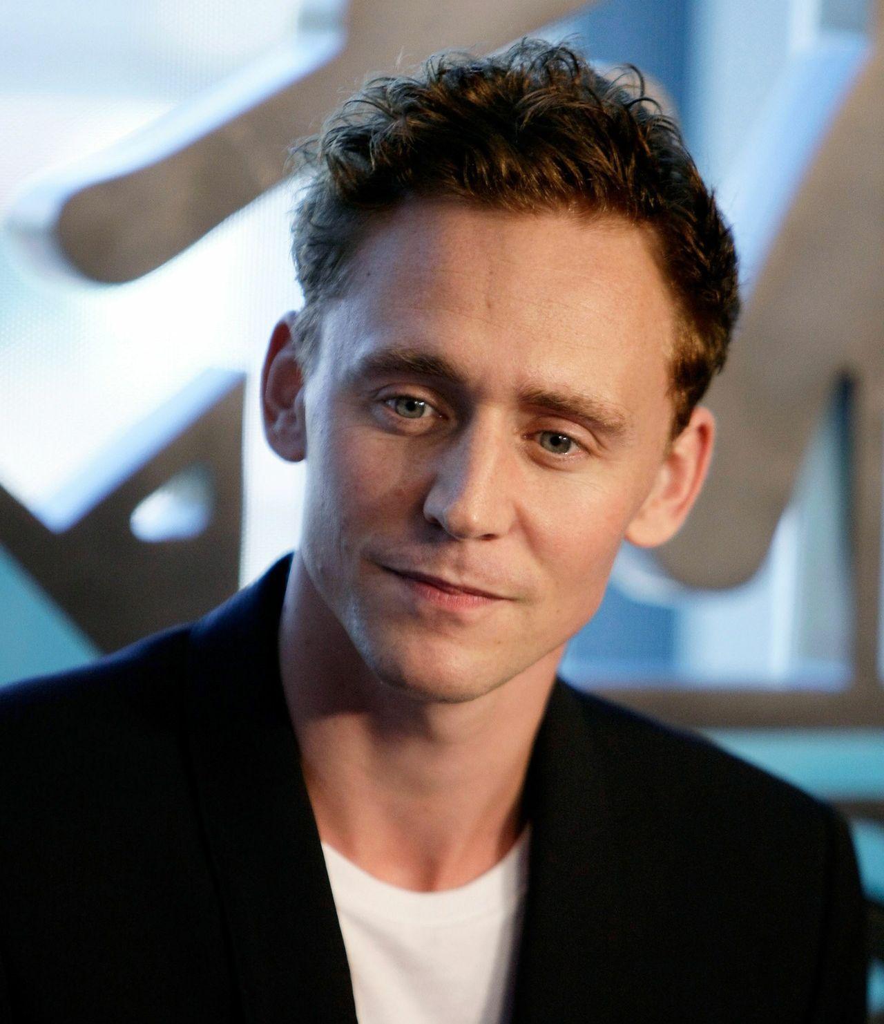 Tom Hiddleston via jshillingford.tumblr.com