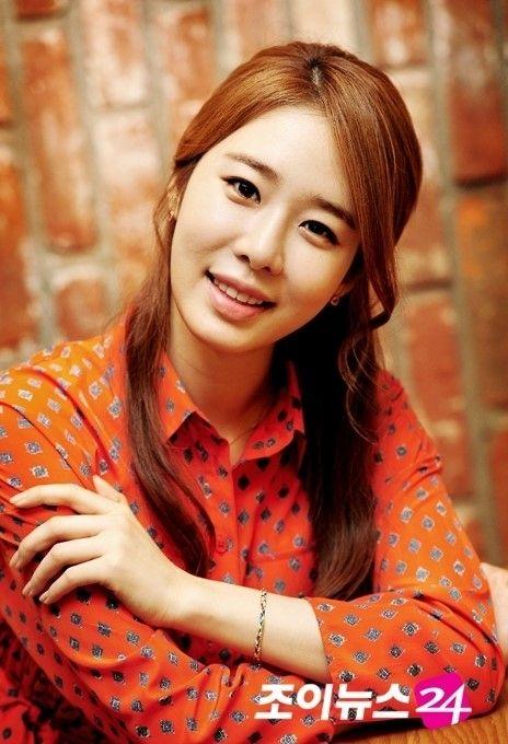 Yoo In Na Auburn Long Side Swept | Cute Asian Hair | Korean