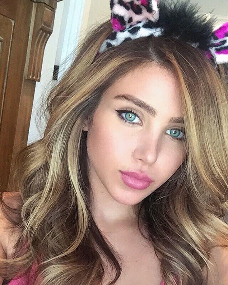مكياج عيون بالصور 2014 مكياج عيون صغيرة بالصور مكياج عيون بالصور ناعم جمال رشاقة عالم المرأة بنوت Purple Eyeliner Colored Eyeliner Sparkle Eye Makeup