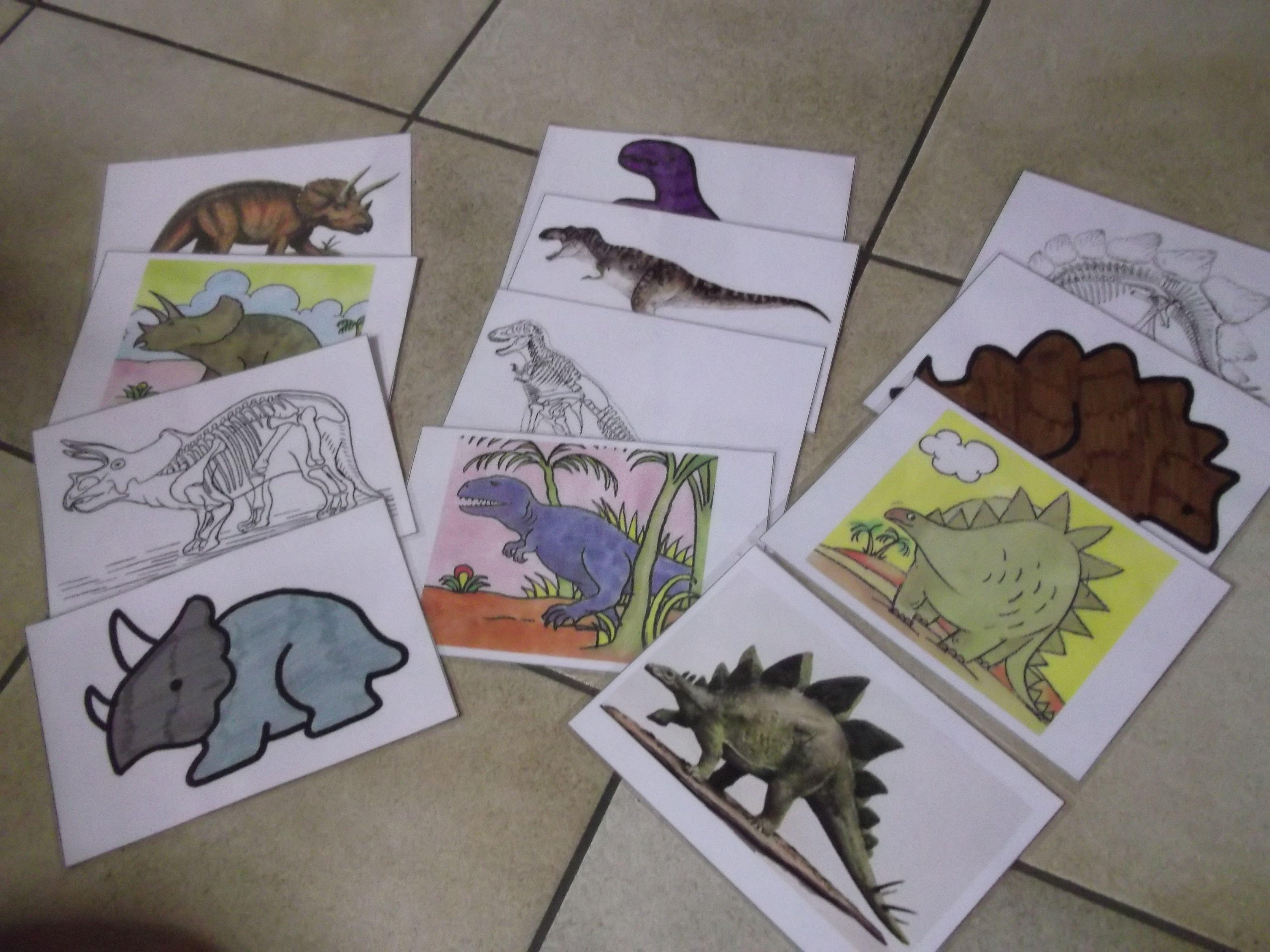 Dinokaartjes Skelet Kleurplaat Tekening Afbeelding Dinosaurussen Thema Kleurplaten