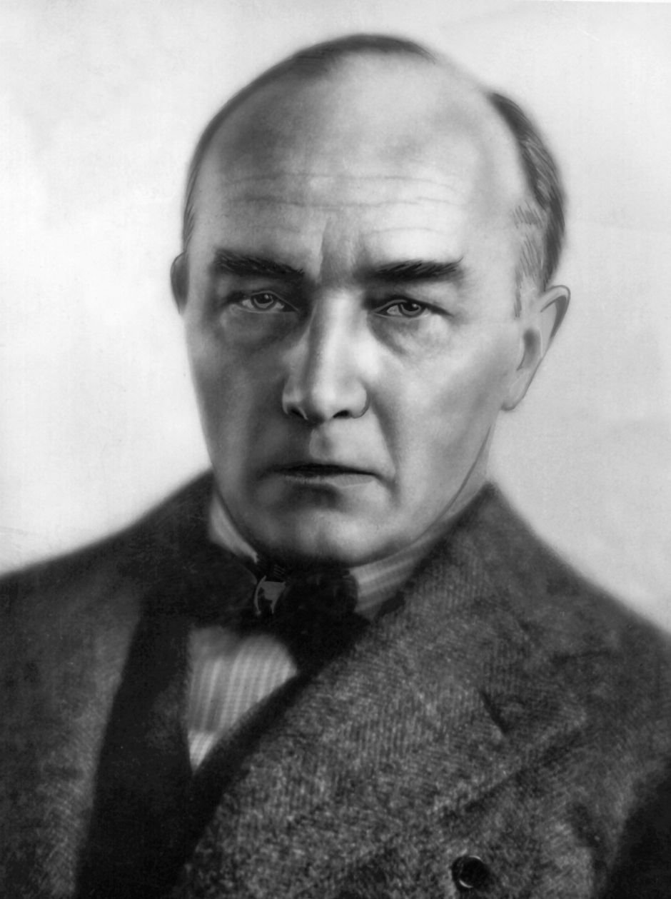 Saturday 6th of November 1880  Modernist writer Robert Mathias Musil known for his novel 'Der Mann ohne Eigenschaften' is born in Bahnhofstraße 50, Klagenfurt am Wörthersee, Kärnten, Austria.