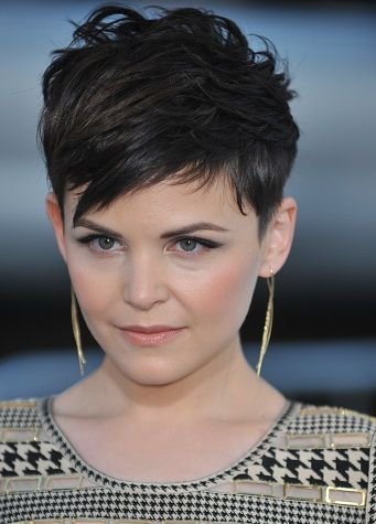 Hairstyles Ginnifer Goodwin Short Wispy Hairstyle Short Hairstyles For Thick Hair Thick Hair Styles Haircut For Thick Hair