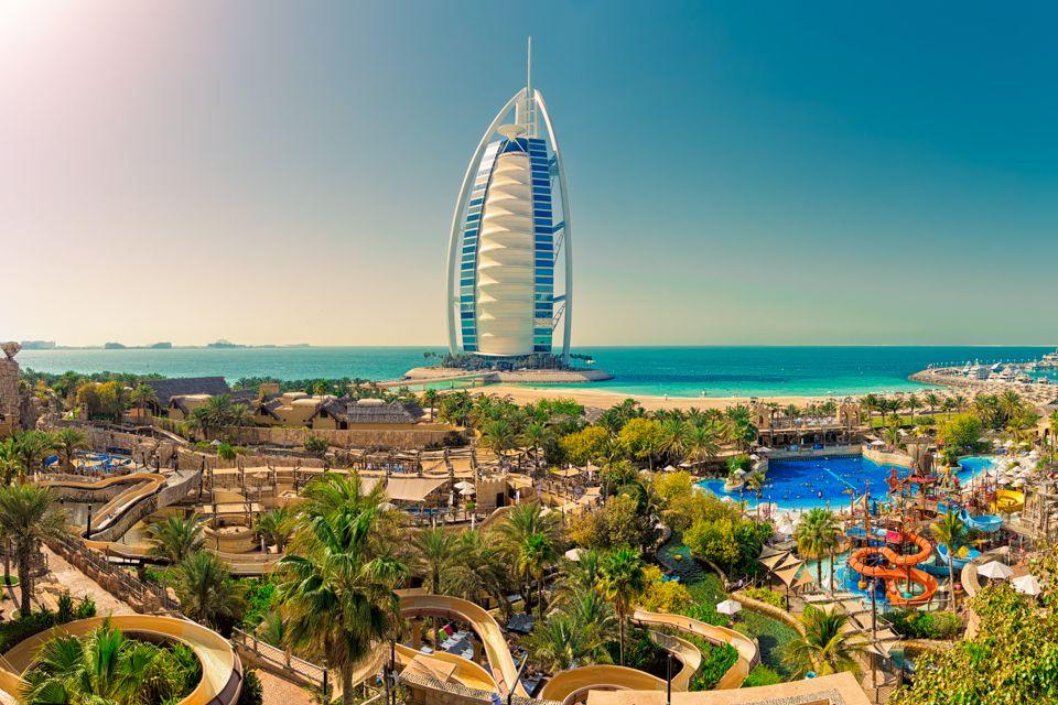 Burj Al Arab shooted from Wild Wadi Waterpark in Dubai, United Arab Emirates. This is a horizontal panorama of 4 shots and cro… | Dubai, Imagenes de dubai, Paisajes