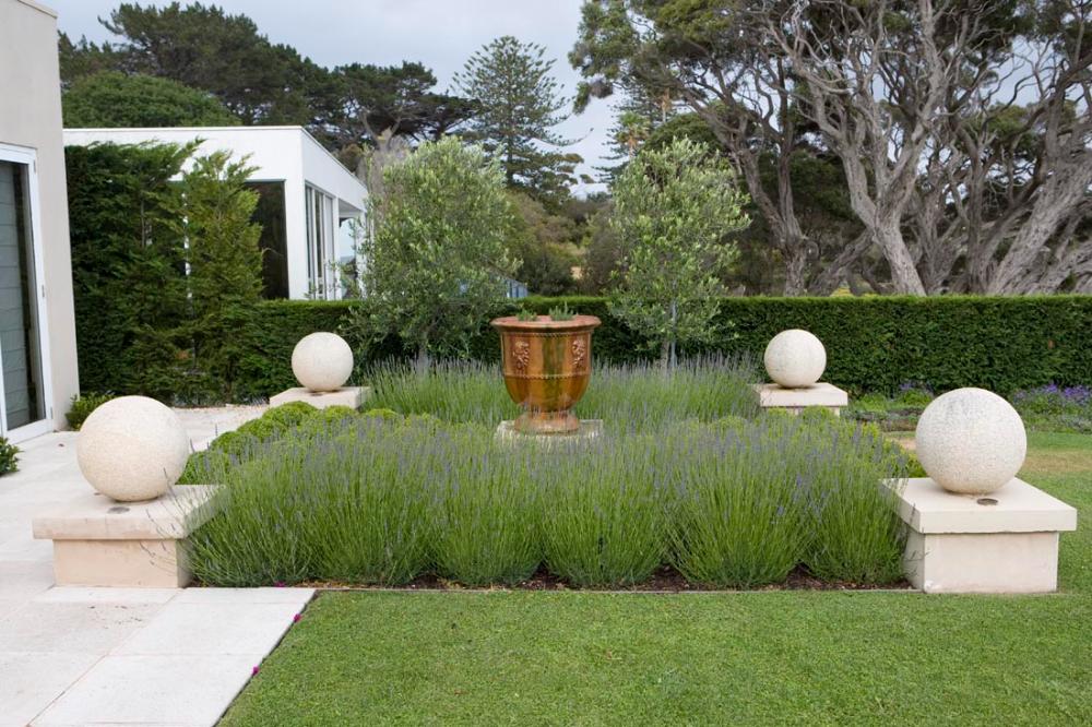 Mornington Peninsula Paul Bangay Garden Design In 2020 Garden Design Hampton Garden Landscape Design