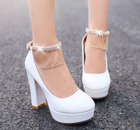 8bb344932 Barato Mulheres rodada toe com tira no tornozelo Red sola de sapatos de salto  alto plataforma de salto grosso sapatos de casamento branco, Compro  Qualidade ...