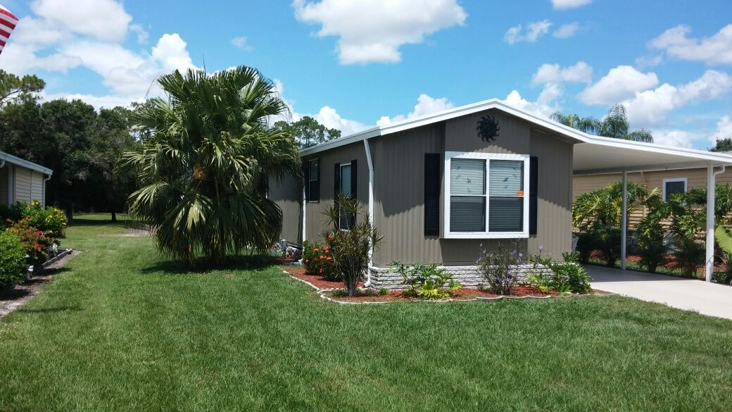 EXTERIOR HOME 3 1989 MERIT Mobile / Manufactured Home in
