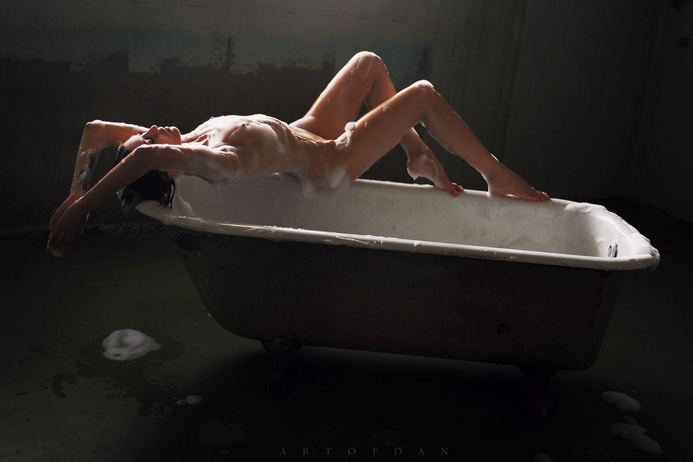 the sleeping bath by Artofdan Photography on 500px