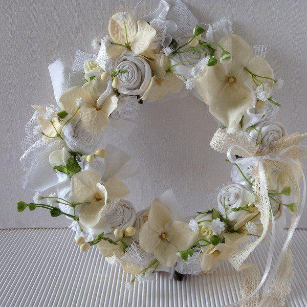 Weiteres - Blütenkranz duftig weiss/creme S - ein Designerstück von gittirai bei DaWanda