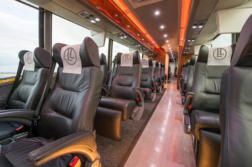 LimoLiner Luxury Transportation (With images) Luxury bus
