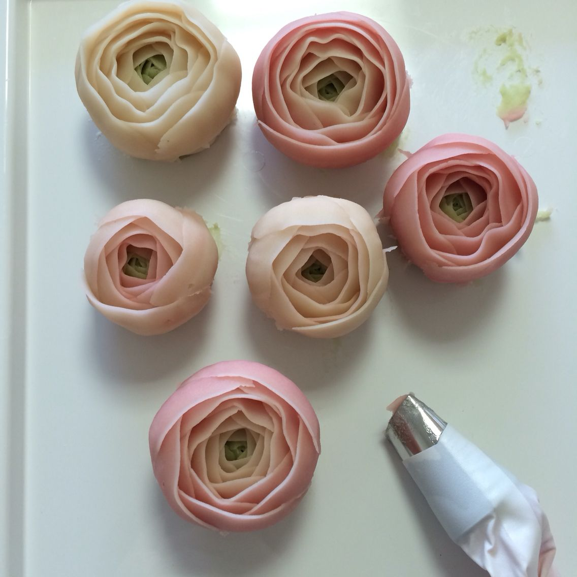 Ranunculus Flower Piping With Wilton Tip No123 Flowercake Done By