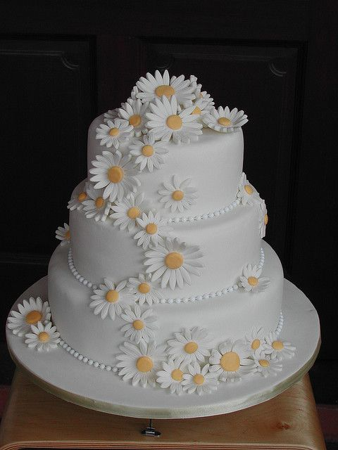 daisy wedding cakes pictures wedding amazing cakes archive 13315