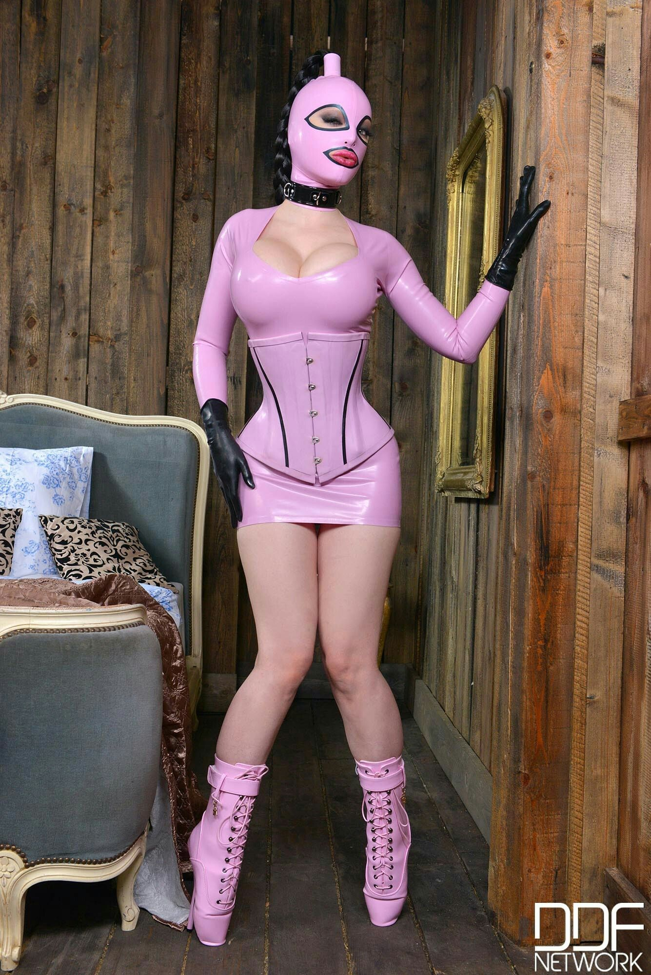 Pin on Latex Lucy - Dangerous Pink Heels