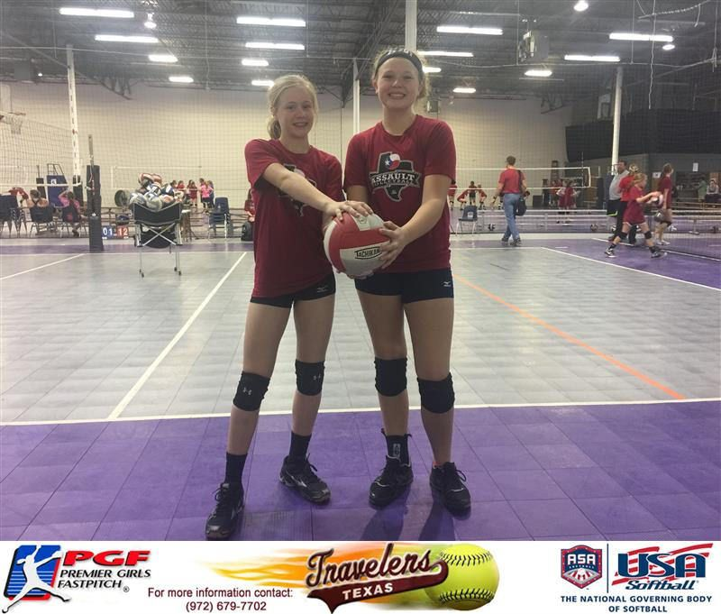 Elizabeth Schaefer And Kaydee Bennett Both Of The Texas Travelers Finishing Practice With Their Club Volleyball Team Texas Assault Volleyball Team Volleyball Texas
