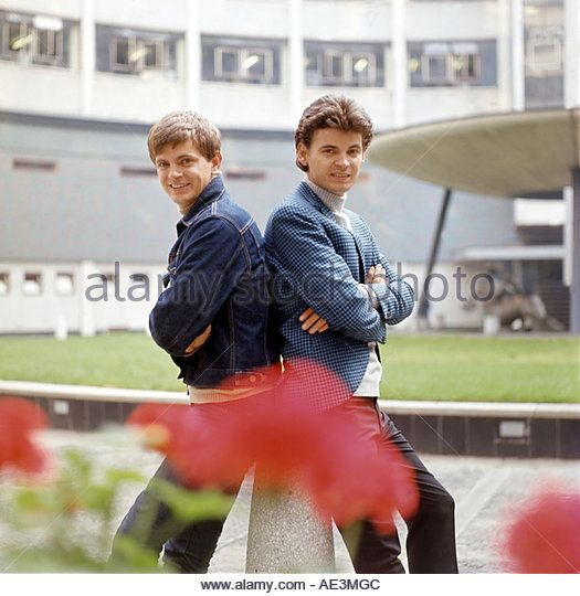 EVERLY BROTHERS US duo with Phil at left and Don - Stock Image