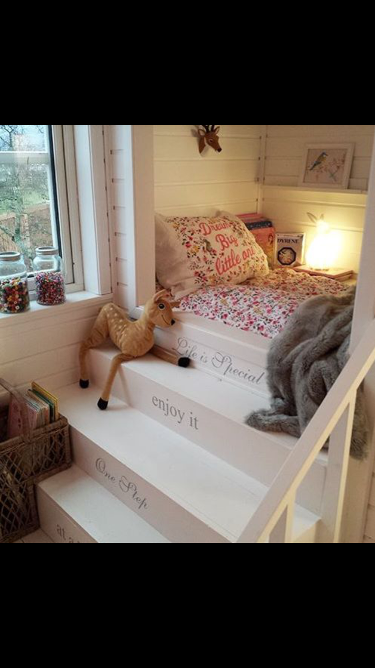 The stairs and shelf above bed | Teen girl room ideas ...