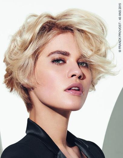 Christina, Blonde Mystérieuse Printemps Été 2015. Un