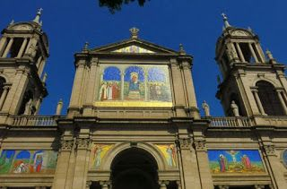 Floresta dos Moinhos/Floresta de los Molinos: O Guia Modelo-Igrejas-Catedral Metropolitana