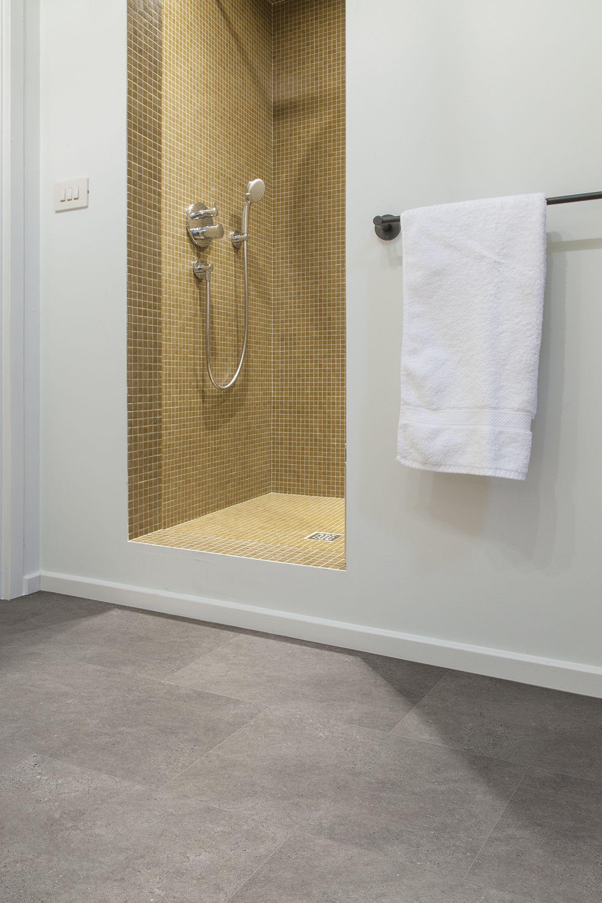 Vloer badkamer, Vloer inspiratie, PVC vloer badkamer ...