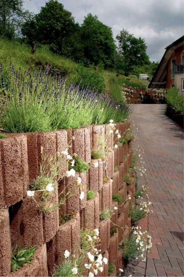 Cheap Retaining Wall Ideas Cinder Block Retaining Wall Concrete Planters Flowers Ornamental Grass Gartengestaltung Gartenstruktur Pflanzen