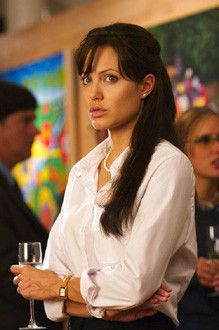 Angelina Jolie Stars In Taking Lives Also Starring Ethan Hawke