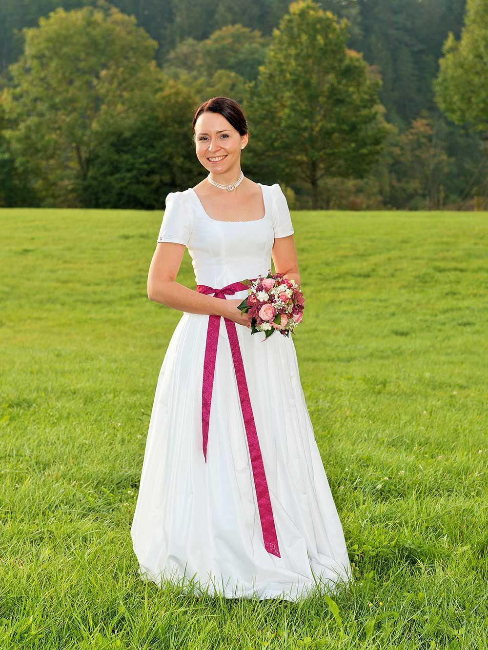 Hochzeit – Trachtenschneiderei Theresa Reindl | Dirndl | Pinterest ...