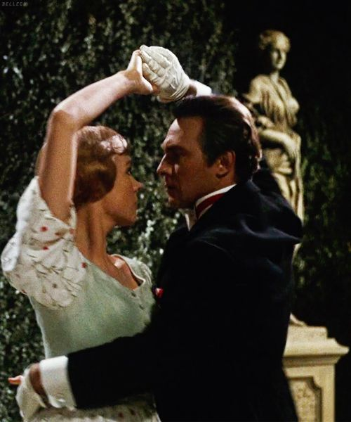 Julie andrews and christopher plummer in the sound of for Nice romantic scenes