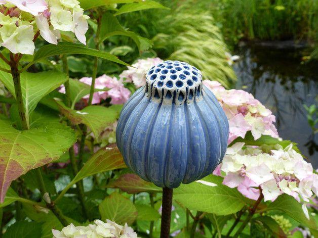 Gartenschmuck samenkapsel hell blau for Gartenschmuck aus metall