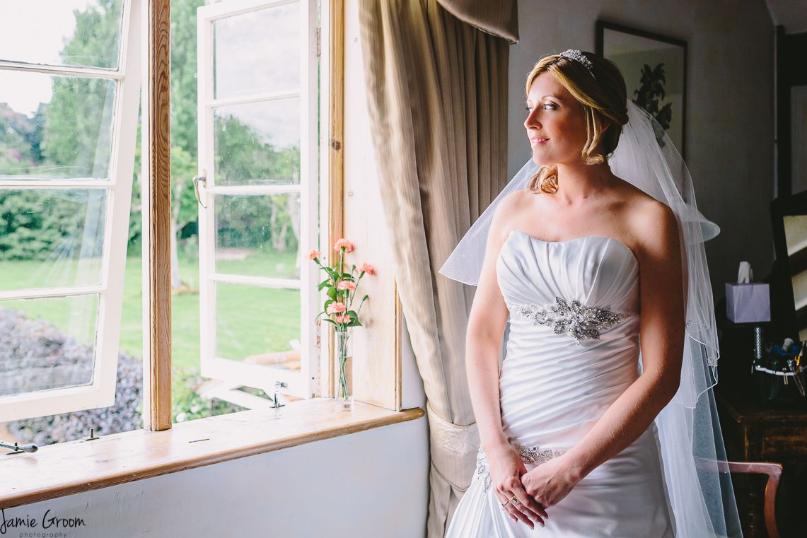 Beautiful bride from www.jamiegroom.co.uk