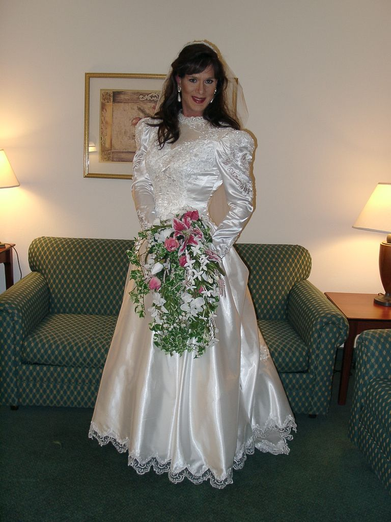 Fashion Long Sleeve Wedding Dress Womens Evening Gowns Semi Formal Chr