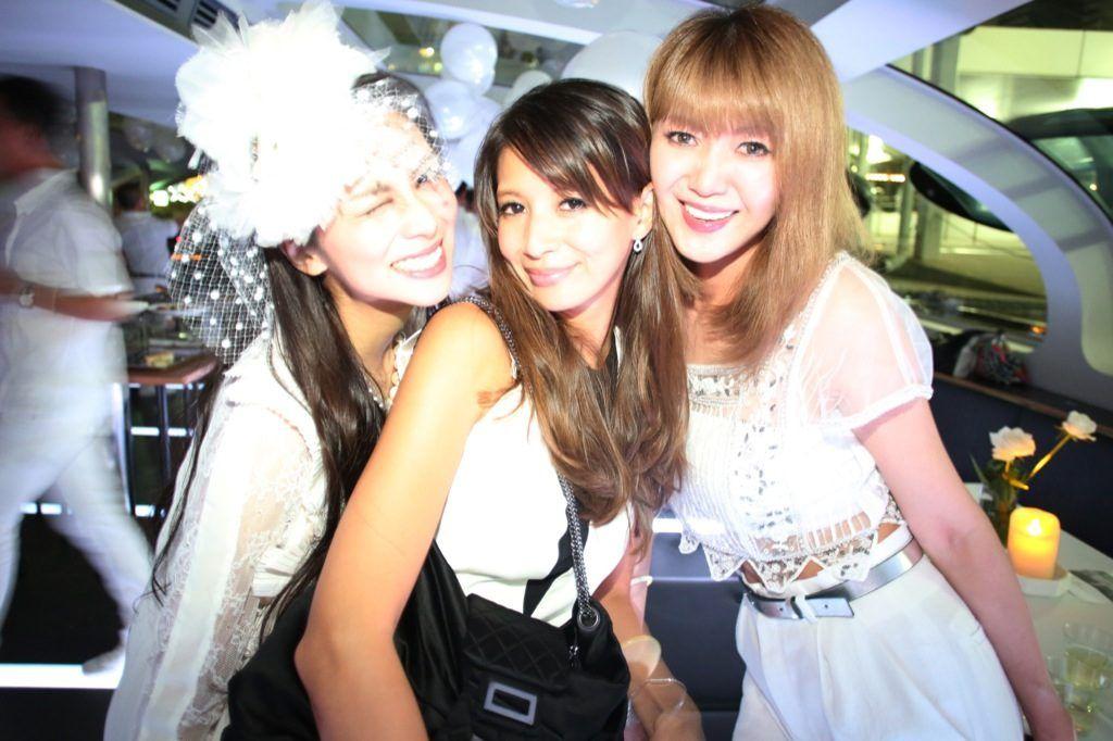 柴咲コウ、沢尻エリカらも全身真っ白に 世界最大のシークレット・ディナー・パーティが日本初上陸 | WWD JAPAN.com