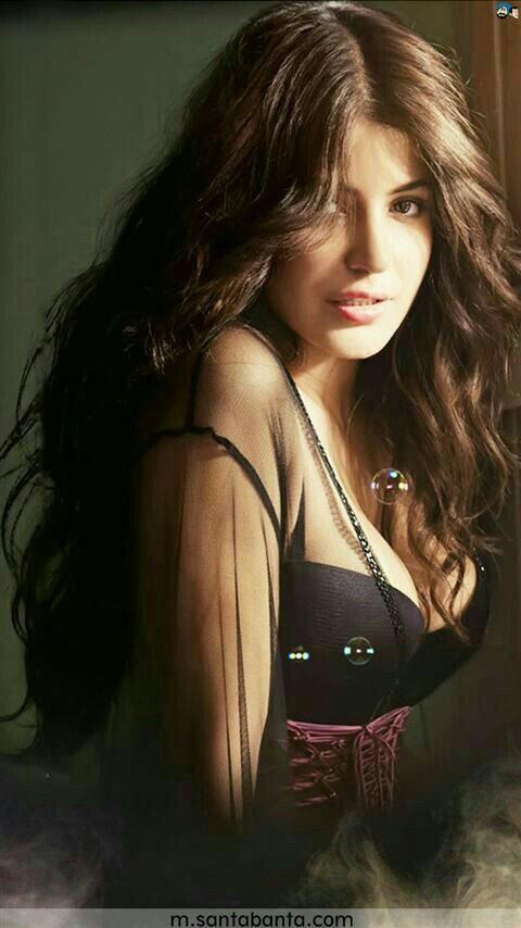 {33+} Hot Photos of Anushka Sharma (KILLER Sexy Bikini