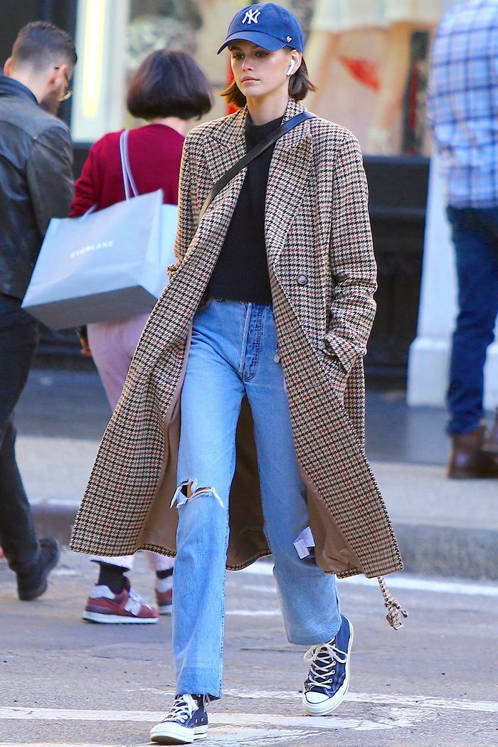 Diese 5 Kaia Gerber Outfits zeigen die Kraft einer tollen Jeans   – Celebrity Style